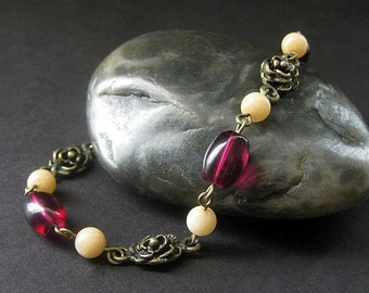 Rose Bracelet. Beaded Bracelet. Gemstone Bracelet in Honey Jade and Bronze. Handmade Jewelry.