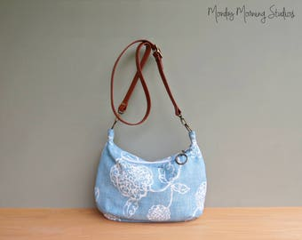 Zipper Crossbody Hobo Bag in Pastel Blue Scribble Flowers, Floral Slouch Purse, Leather Strap, Modern Womens Shoulder Bag, Zipper Hobo Purse