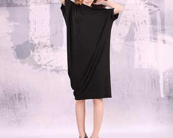 Black dress/ loose tunic/ knee length dress, long top, loose tunic, short sleeved dress/ tunic dress/ plus size dress - UM-036-VL