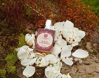 Black gardenia Natural perfume, leather- floral fragrance with tuberose, jasmin, frangipani, ylang ylang, orris  and sandalwood, Flacon.