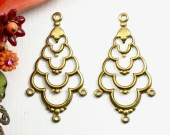 4 Scalloped earring jewelry drops . brass charms . 39mm x 21mm (ST103)