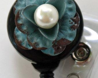 Flowering Pearl Badge Reel