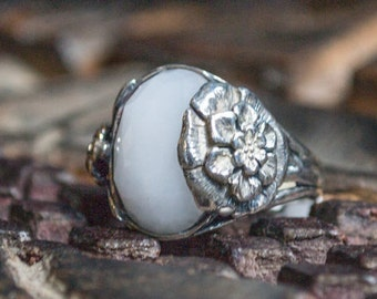 White agate Ring, silver ring, silver gold ring, flower ring, nature ring, boho ring, statement ring, gypsy ring - Silver flower R2208