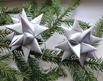 Christmas garland, 10 silver origami stars and beads