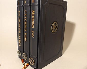 The Hunger Games + Catching Fire + Mocking Jay + Suzanne Collins + leather-bound + leather slipcase + Triology + annabuchwunder #886