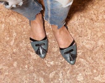 Flats, women flats, women shoes, green shoes, evening shoes, casual shoes, handmade leather shoes, women green flats, sophisticated.