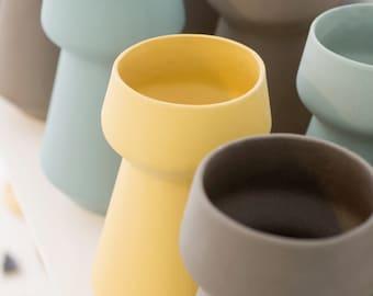 Minimalist Ceramic flower Vase, Yellow Vase, Ceramics and pottery, Scandinavian Modern Home Decor, ceramic Flower Pot, vase ceramic table