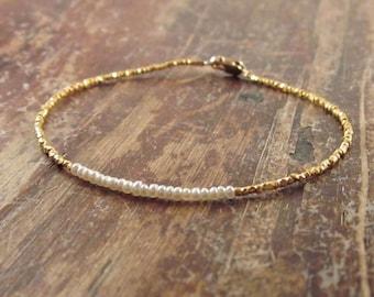 Pearl Bracelet Pearl Beaded Bracelets Womens Gift for Her June Birthstone Bracelet Pearl Bracelets Pearl Bead Bracelet Delicate Bracelet