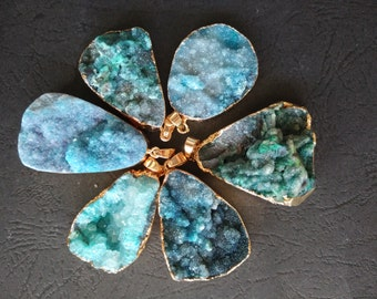 SIMILAR AS 10pcs Large Teal Blue Druzy Agate slice Pendant- Gold plated