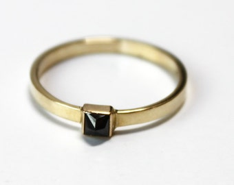 Black Diamond Pyramid Ring (14K yellow gold)