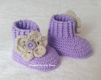 Handmade baby booties, cute booties for baby girl, baby crochet boots, handmade shower gift, baby booties, girl's boots, crochet baby boots