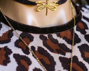 Collier Libellule or, tour de cou en cuir marron, bijoux uniques, bracelet cuir boho, tour de cou en cuir libellule, bijoux insecte