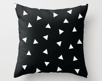 Black and White Pillow - Black and White Modern Pillow - Geometric Decorative Pillows - Velveteen Pillow Cover - Triangles Cushion Cover