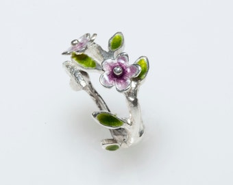 Ultra Violet Flower Ring, Purple Ring, Floral Wedding Band, Daisy Ring, Nature Inspired, Botanical Jewelry, Gift for Mom, Floral Jewelry