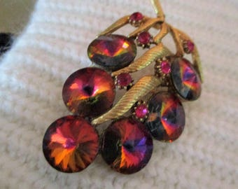 1950s large Rhinestone Brooch that looks like a cluster of grapes