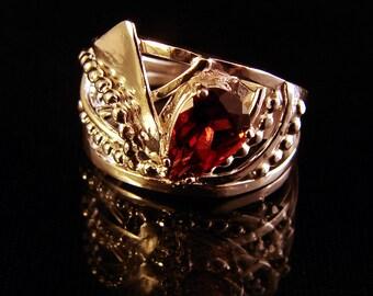 Flutter - Orissa Garnet ring