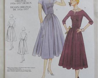 """On Sale! 1956-1957 Re-issued Original Design """"Vogue"""" Uncut Pattern (V1044) SZ A (6-8-10) - New / Uncut"""
