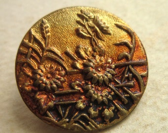 Metal Victorian Picture Button - Vintage Stamped brass Flower