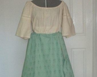 Renaissance Lady's Outfit - Skirt/blouse/cap - Green & Cream - Med/Lge