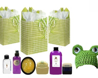 CHRISTMAS New Mom & Baby Gift Set Bag Gift Basket Bath and Body Gift Set Basket for Baby! All Pure natural Organic Dinosaur Outfit