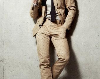 Mens summer suit in beige polka dot cotton