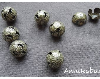 10 large hammered brass beads bronze 16 mm