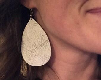 Silver cloud tear drop leather earring