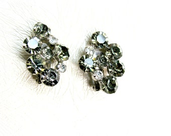 Smoky Gray Rhinestone Earrings, Grey and Clear Rhinestones, Black Diamond Rhinestones, Vintage Clip On, Unsigned, Black Tie, Formal, Wedding