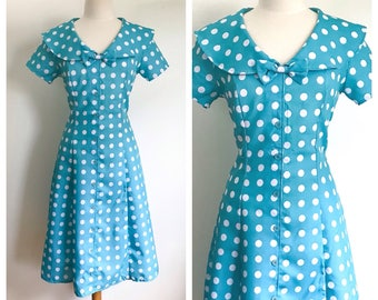 Vintage Dress. Turquoise and White Polka Dot 1950's Inspired Swing Style Pinup Outfit. Peter Pan Collar Rockabilly A-line Silhouette. Size M