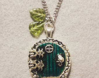 Hobbiton Lord of the Rings Cameo Necklace