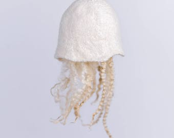 Wool hanging jellyfish, wet felted jellyfish, gift for divers and marine biologists, ocean home decor, white Christmas ornament