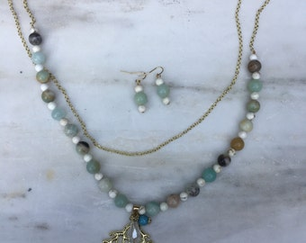 Amazonite and Howlite Sea Green Necklace and Earring Set