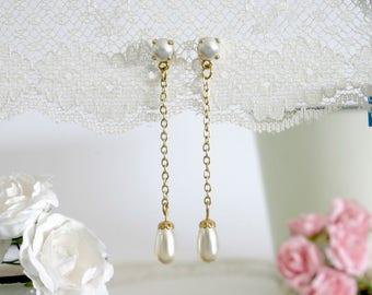 Pearl bridesmaid jewelry, Pearl bridesmaids earrings, Tear drop pearl earrings, Bridesmaid gift, Will you be my bridesmaid gift