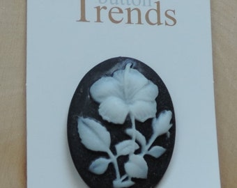 SALE Flower Cameo Button Style 4610 Button Trends Collection Carded button by Blumenthal Lansing Co