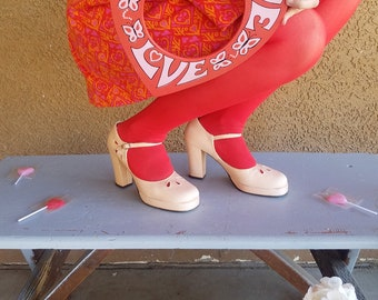Sweetheart | 70s Does 40s Peach Pink Metallic Teardrop Cutout Mary Jane Platform Heels | Qualicraft 1970s Romantic Dreamy Strappy Shoe 5.5 6
