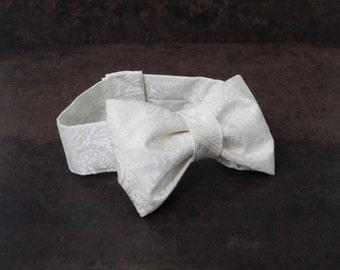 Ivory Wedding Cake Bow Tie - Newborn Photo Prop to 18 Month Boy Photo Prop - Boys Bow Tie - Baby Bow Tie - Cream Baby Boy Ring Bearer Bowtie