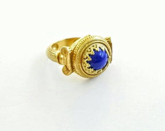 Lapis lazuli ring in solid sterling silver 925 with engraved Greek columns and gold filling
