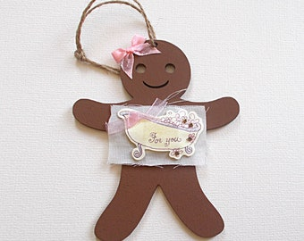 Wooden Gingerbread Girl with Roll Top Bath Embellishment