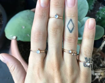 Opal/Moonstone solitaire gold ring