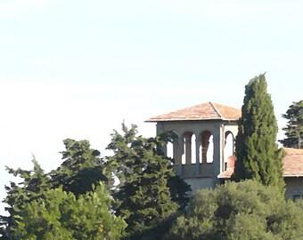 Tuscan villa amid the trees