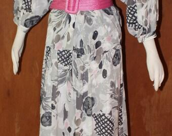 """SZ M/L, Vintage 1980's suit with belt,flowing skirt, 32"""" waist"""
