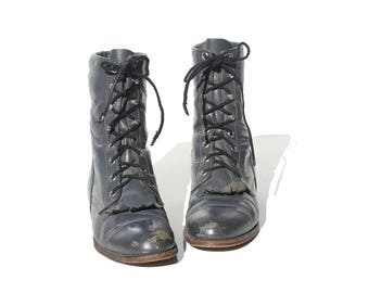 Vintage Gray Leather Ankle Boots / size 7.5