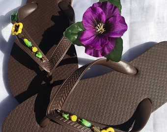 Uniquely designed flip flops