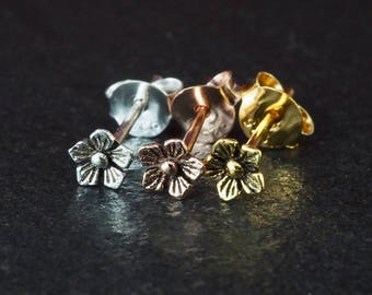 20 gauge (0.8mm) 925 Sterling Silver Cartilage Earrings Stud Cherry Blossom Flower F1, Sold in Pair