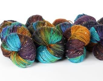 THE BIRD 231 yards/ Tweed DK Yarn/ superwash merino 4 ply speckle dyed