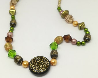 Acrylic and wood beads necklace