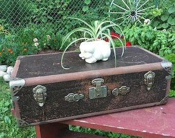 Vintage suitcase, small vintage suitcase, suitcase storage, suitcase endtable