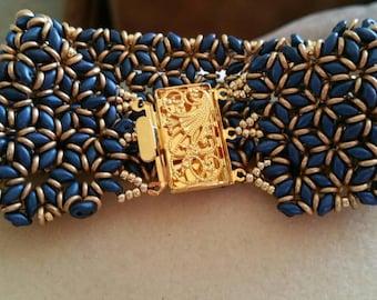 Beaded superduo bracelet Designed by Akkesieradin