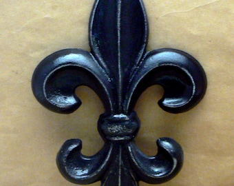 Fleur de lis FDL Cast Iron Painted Classic Black Distressed Wall Decor French Decor Paris Shabby Elegance