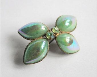 1950s brooch.  Green brooch. Green glass brooch. Vintage brooch